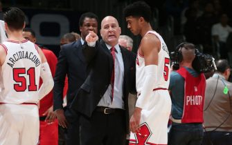 WASHINGTON, DC - DECEMBER 28:  Head Coach Jim Boylen talks with Chandler Hutchison #15 of the Chicago Bulls during the game against the Washington Wizards on December 28, 2018 at Capital One Arena in Washington, DC. NOTE TO USER: User expressly acknowledges and agrees that, by downloading and or using this Photograph, user is consenting to the terms and conditions of the Getty Images License Agreement. Mandatory Copyright Notice: Copyright 2018 NBAE (Photo by Ned Dishman/NBAE via Getty Images)