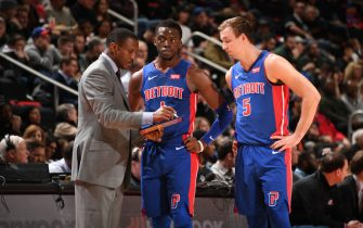 DETROIT, MI - JANUARY 29: Head Coach Dwane Casey talks to Reggie Jackson #1 and Luke Kennard #5 of the Detroit Pistons during a game against the Milwaukee Bucks on January 29, 2019 at Little Caesars Arena in Detroit, Michigan. NOTE TO USER: User expressly acknowledges and agrees that, by downloading and/or using this photograph, User is consenting to the terms and conditions of the Getty Images License Agreement. Mandatory Copyright Notice: Copyright 2019 NBAE (Photo by Chris Schwegler/NBAE via Getty Images)