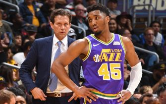 LOS ANGELES, CA - APRIL 7: Quin Snyder of the Utah Jazz talks with Donovan Mitchell #45 of the Utah Jazz during the game against the Los Angeles Lakers on April 7, 2019 at STAPLES Center in Los Angeles, California. NOTE TO USER: User expressly acknowledges and agrees that, by downloading and/or using this Photograph, user is consenting to the terms and conditions of the Getty Images License Agreement. Mandatory Copyright Notice: Copyright 2019 NBAE (Photo by Andrew D. Bernstein/NBAE via Getty Images)