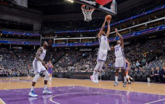 SACRAMENTO, CA - OCTOBER 10: Marvin Bagley III #35 of the Sacramento Kings rebounds against the Phoenix Suns on October 10, 2019 at Golden 1 Center in Sacramento, California. NOTE TO USER: User expressly acknowledges and agrees that, by downloading and or using this photograph, User is consenting to the terms and conditions of the Getty Images Agreement. Mandatory Copyright Notice: Copyright 2019 NBAE (Photo by Rocky Widner/NBAE via Getty Images)