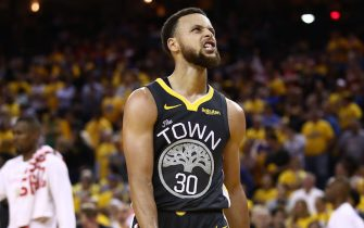 OAKLAND, CALIFORNIA - JUNE 07:  Stephen Curry #30 of the Golden State Warriors reacts late in the game against the Toronto Raptors in the second half during Game Four of the 2019 NBA Finals at ORACLE Arena on June 07, 2019 in Oakland, California. NOTE TO USER: User expressly acknowledges and agrees that, by downloading and or using this photograph, User is consenting to the terms and conditions of the Getty Images License Agreement. (Photo by Ezra Shaw/Getty Images)
