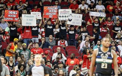 Caso NBA-Cina, proteste pro Hong Kong a Houston