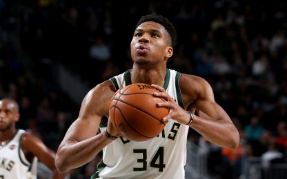 Giannis, i tiri liberi sono un disastro. VIDEO