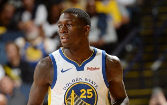 OAKLAND, CA - SEPTEMBER 29:  Kendrick Nunn #25 of the Golden State Warriors looks on during a pre-season game on September 29, 2018 at ORACLE Arena in Oakland, California. NOTE TO USER: User expressly acknowledges and agrees that, by downloading and or using this photograph, user is consenting to the terms and conditions of Getty Images License Agreement. Mandatory Copyright Notice: Copyright 2018 NBAE (Photo by Noah Graham/NBAE via Getty Images)