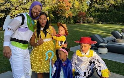 Curry, Halloween lo distrae dall'infortunio. VIDEO