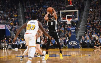 SAN FRANCISCO, CA - NOVEMBER 1: Patty Mills #8 of the San Antonio Spurs shoots the ball against the Golden State Warriors on November 1, 2019 at Chase Center in San Francisco, California. NOTE TO USER: User expressly acknowledges and agrees that, by downloading and or using this photograph, user is consenting to the terms and conditions of Getty Images License Agreement. Mandatory Copyright Notice: Copyright 2019 NBAE (Photo by Noah Graham/NBAE via Getty Images)