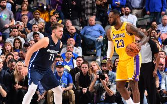 DALLAS, TX - NOVEMBER 1: LeBron James #23 of the Los Angeles Lakers handles the ball against the Dallas Mavericks on November 1, 2019 at the American Airlines Center in Dallas, Texas. NOTE TO USER: User expressly acknowledges and agrees that, by downloading and/or using this Photograph, user is consenting to the terms and conditions of the Getty Images License Agreement. Mandatory Copyright Notice: Copyright 2019 NBAE (Photo by Jesse D. Garrabrant/NBAE via Getty Images)