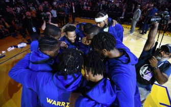 SAN FRANCISCO, CA - NOVEMBER 2: Golden State Warriors huddle before game against the Charlotte Hornets  on November 2, 2019 at ORACLE Arena in Oakland, California. NOTE TO USER: User expressly acknowledges and agrees that, by downloading and or using this photograph, User is consenting to the terms and conditions of the Getty Images License Agreement. Mandatory Copyright Notice: Copyright 2019 NBAE (Photo by Noah Graham/NBAE via Getty Images)