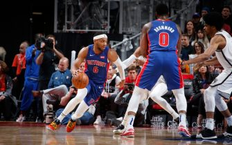DETROIT, MI - NOVEMBER 2: Bruce Brown #6 of the Detroit Pistons handles the ball against the Brooklyn Nets on November 2, 2019 at Little Caesars Arena in Detroit, Michigan. NOTE TO USER: User expressly acknowledges and agrees that, by downloading and/or using this photograph, User is consenting to the terms and conditions of the Getty Images License Agreement. Mandatory Copyright Notice: Copyright 2019 NBAE (Photo by Brian Sevald/NBAE via Getty Images)