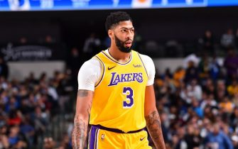 DALLAS, TX - NOVEMBER 1: Anthony Davis #3 of the Los Angeles Lakers looks on against the Dallas Mavericks on November 1, 2019 at the American Airlines Center in Dallas, Texas. NOTE TO USER: User expressly acknowledges and agrees that, by downloading and/or using this Photograph, user is consenting to the terms and conditions of the Getty Images License Agreement. Mandatory Copyright Notice: Copyright 2019 NBAE (Photo by Jesse D. Garrabrant/NBAE via Getty Images)