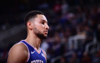 PHOENIX, AZ - NOVEMBER 4: Ben Simmons #25 of the Philadelphia 76ers looks on against the Phoenix Suns on November 4, 2019 at Talking Stick Resort Arena in Phoenix, Arizona. NOTE TO USER: User expressly acknowledges and agrees that, by downloading and or using this photograph, user is consenting to the terms and conditions of the Getty Images License Agreement. Mandatory Copyright Notice: Copyright 2019 NBAE (Photo by Michael Gonzales/NBAE via Getty Images)