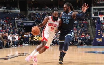 MEMPHIS, TN - NOVEMBER 4: James Harden #13 of the Houston Rockets drives to the basket against the Memphis Grizzlies on November 4, 2019 at FedExForum in Memphis, Tennessee. NOTE TO USER: User expressly acknowledges and agrees that, by downloading and or using this photograph, User is consenting to the terms and conditions of the Getty Images License Agreement. Mandatory Copyright Notice: Copyright 2019 NBAE (Photo by Joe Murphy/NBAE via Getty Images)