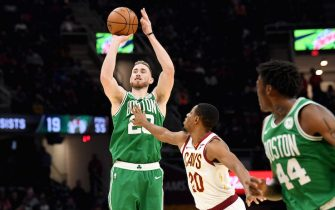 CLEVELAND, OHIO - NOVEMBER 05: Gordon Hayward #20 of the Boston Celtics shoots over Brandon Knight #20 of the Cleveland Cavaliers during the second half at Rocket Mortgage Fieldhouse on November 05, 2019 in Cleveland, Ohio. The Celtics defeated the Cavaliers 119-113. NOTE TO USER: User expressly acknowledges and agrees that, by downloading and/or using this photograph, user is consenting to the terms and conditions of the Getty Images License Agreement. (Photo by Jason Miller/Getty Images)
