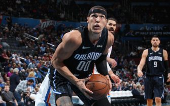 OKLAHOMA CITY, OK- NOVEMBER 5: Aaron Gordon #00 of the Orlando Magic handles the ball against the Oklahoma City Thunder on November 5, 2019 at Chesapeake Energy Arena in Oklahoma City, Oklahoma. NOTE TO USER: User expressly acknowledges and agrees that, by downloading and or using this photograph, User is consenting to the terms and conditions of the Getty Images License Agreement. Mandatory Copyright Notice: Copyright 2019 NBAE (Photo by Zach Beeker/NBAE via Getty Images)