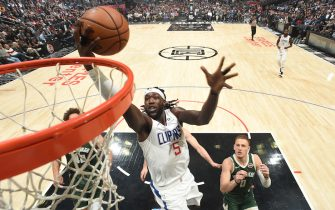 LOS ANGELES, CA - NOVEMBER 6: Montrezl Harrell #5 of the LA Clippers shoots the ball against the Milwaukee Bucks on November 6, 2019 at STAPLES Center in Los Angeles, California. NOTE TO USER: User expressly acknowledges and agrees that, by downloading and/or using this Photograph, user is consenting to the terms and conditions of the Getty Images License Agreement. Mandatory Copyright Notice: Copyright 2019 NBAE (Photo by Andrew D. Bernstein/NBAE via Getty Images)
