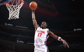 DETROIT, MI - NOVEMBER 6: Tony Snell #17 of the Detroit Pistons dunks the ball against the New York Knicks on November 6, 2019 at Little Caesars Arena in Detroit, Michigan. NOTE TO USER: User expressly acknowledges and agrees that, by downloading and/or using this photograph, User is consenting to the terms and conditions of the Getty Images License Agreement. Mandatory Copyright Notice: Copyright 2019 NBAE (Photo by Chris Schwegler/NBAE via Getty Images)