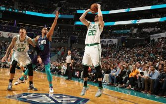 CHARLOTTE, NC - NOVEMBER 7: Gordon Hayward #20 of the Boston Celtics shoots the ball against the Charlotte Hornets on November 7, 2019 at Spectrum Center in Charlotte, North Carolina. NOTE TO USER: User expressly acknowledges and agrees that, by downloading and or using this photograph, User is consenting to the terms and conditions of the Getty Images License Agreement.  Mandatory Copyright Notice:  Copyright 2019 NBAE (Photo by Kent Smith/NBAE via Getty Images)