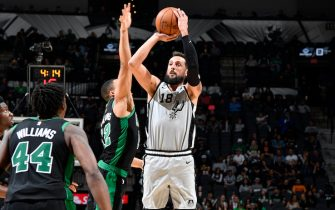 SAN ANTONIO, TX - NOVEMBER 9: Marco Belinelli #18 of the San Antonio Spurs shoots the ball against the Boston Celtics on November 9, 2019 at the AT&T Center in San Antonio, Texas. NOTE TO USER: User expressly acknowledges and agrees that, by downloading and or using this photograph, user is consenting to the terms and conditions of the Getty Images License Agreement. Mandatory Copyright Notice: Copyright 2019 NBAE (Photos by Logan Riely/NBAE via Getty Images)