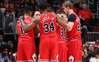 CHICAGO, IL - NOVEMBER 9: The Chicago Bulls huddle up during a game against the Houston Rockets on November 9, 2019 at the United Center in Chicago, Illinois. NOTE TO USER: User expressly acknowledges and agrees that, by downloading and or using this photograph, user is consenting to the terms and conditions of the Getty Images License Agreement.  Mandatory Copyright Notice: Copyright 2019 NBAE (Photo by Gary Dineen/NBAE via Getty Images)