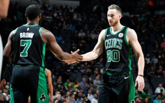 SAN ANTONIO, TX - NOVEMBER 9: Jaylen Brown #7 and Gordon Hayward #20 of the Boston Celtics hi-five during a game against the San Antonio Spurs on November 9, 2019 at the AT&T Center in San Antonio, Texas. NOTE TO USER: User expressly acknowledges and agrees that, by downloading and or using this photograph, user is consenting to the terms and conditions of the Getty Images License Agreement. Mandatory Copyright Notice: Copyright 2019 NBAE (Photos by Logan Riely/NBAE via Getty Images)