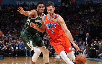 OKLAHOMA CITY, OK- NOVEMBER 10: Danilo Gallinari #8 of the Oklahoma City Thunder drives to the basket against the Milwaukee Bucks on November 10, 2019 at Chesapeake Energy Arena in Oklahoma City, Oklahoma. NOTE TO USER: User expressly acknowledges and agrees that, by downloading and or using this photograph, User is consenting to the terms and conditions of the Getty Images License Agreement. Mandatory Copyright Notice: Copyright 2019 NBAE (Photo by Zach Beeker/NBAE via Getty Images)