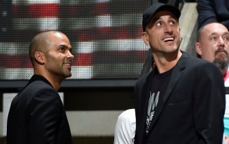 SAN ANTONIO, TX - NOVEMBER 11: NBA Legends, Tony Parker, Manu Ginóbili attend the game between the San Antonio Spurs and the Memphis Grizzlies on November 11, 2019 at the AT&T Center in San Antonio, Texas. NOTE TO USER: User expressly acknowledges and agrees that, by downloading and or using this photograph, user is consenting to the terms and conditions of the Getty Images License Agreement. Mandatory Copyright Notice: Copyright 2019 NBAE (Photos by Logan Riely/NBAE via Getty Images)