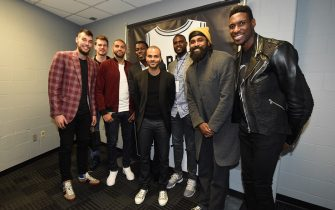 SAN ANTONIO, TX - NOVEMBER 11: Willy Hernangomez #9 of the Charlotte Hornets, Nicolas Batum #5 of the Charlotte Hornets, NBA retired players Michael Finley, Nazr Mohammed, Ronny Turiaf, NBA Legend Tony Parker, and Ian Mahinmi #28 of the Washington Wizards pose for a photo on November 11, 2019 at the AT&T Center in San Antonio, Texas. NOTE TO USER: User expressly acknowledges and agrees that, by downloading and or using this photograph, user is consenting to the terms and conditions of the Getty Images License Agreement. Mandatory Copyright Notice: Copyright 2019 NBAE (Photos by Andrew D. Bernstein/NBAE via Getty Images)