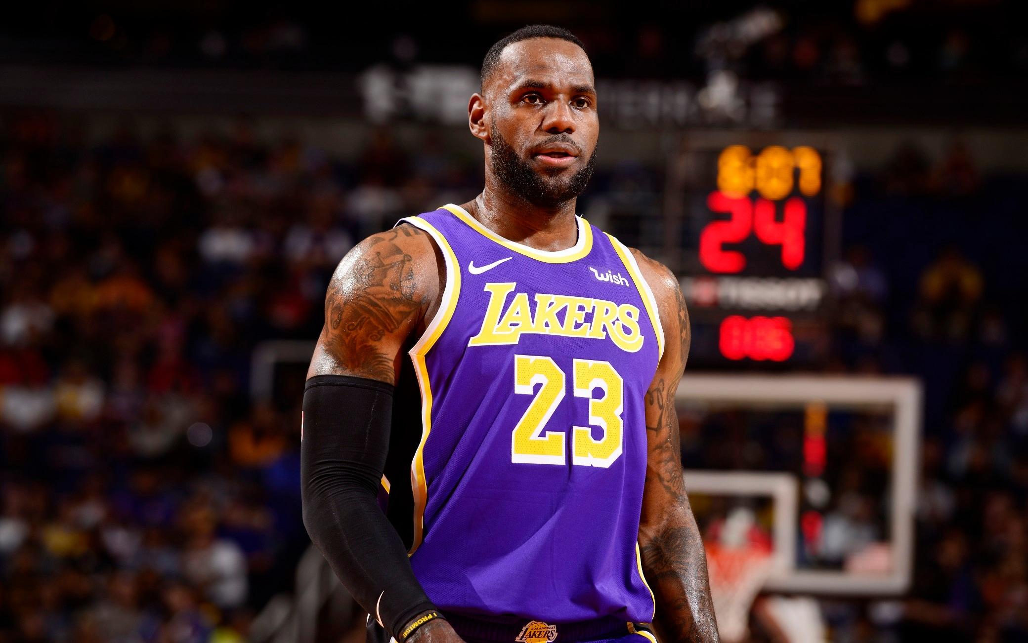 NBA, risultati della notte: Lakers primi a Ovest, Young da MVP batte ...