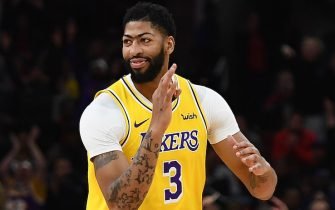 CHICAGO, ILLINOIS - NOVEMBER 05:  Anthony Davis #3 of the Los Angeles Lakers reacts to a three point shot during the second half of a game against the Chicago Bulls at United Center on November 05, 2019 in Chicago, Illinois. NOTE TO USER: User expressly acknowledges and agrees that, by downloading and or using this photograph, User is consenting to the terms and conditions of the Getty Images License Agreement. (Photo by Stacy Revere/Getty Images)