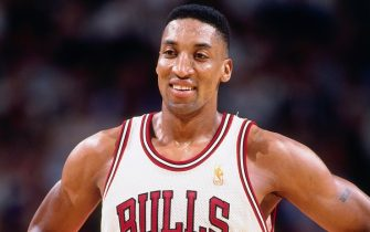 CHICAGO, IL  - FEBRUARY 18: Scottie Pippen #33 of the Chicago Bulls smiles against the Denver Nuggets  on February 18, 1997 at the United Center in Chicago, Illinois. NOTE TO USER: User expressly acknowledges and agrees that, by downloading and or using this photograph, User is consenting to the terms and conditions of the Getty Images License Agreement. Mandatory Copyright Notice: Copyright 1997 NBAE (Photo by Glenn James/NBAE via Getty Images)