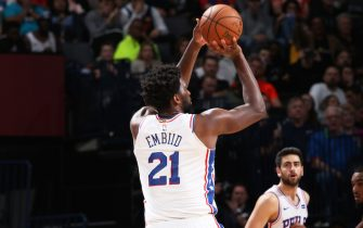 OKLAHOMA CITY, OK- NOVEMBER 15: Joel Embiid #21 of the Philadelphia 76ers shoots the ball during a game against the Oklahoma City Thunder on November 15, 2019 at Chesapeake Energy Arena in Oklahoma City, Oklahoma. NOTE TO USER: User expressly acknowledges and agrees that, by downloading and or using this photograph, User is consenting to the terms and conditions of the Getty Images License Agreement. Mandatory Copyright Notice: Copyright 2019 NBAE (Photo by Zach Beeker/NBAE via Getty Images)