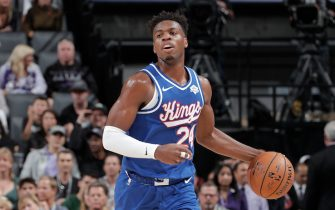 SACRAMENTO, CA - NOVEMBER 17: Buddy Hield #24 of the Sacramento Kings handles the ball against the Boston Celtics on November 17, 2019 at Golden 1 Center in Sacramento, California. NOTE TO USER: User expressly acknowledges and agrees that, by downloading and or using this Photograph, user is consenting to the terms and conditions of the Getty Images License Agreement. Mandatory Copyright Notice: Copyright 2019 NBAE (Photo by Rocky Widner/NBAE via Getty Images)