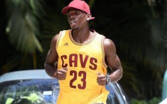 Paul Pogba con la maglia di LeBron James
