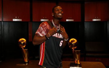 MIAMI, FL - NOVEMBER 16: Soccer player Paul Pogba smiles in the Miami Heat locker room after the game on November 16, 2019 at American Airlines Arena in Miami, Florida. NOTE TO USER: User expressly acknowledges and agrees that, by downloading and or using this Photograph, user is consenting to the terms and conditions of the Getty Images License Agreement. Mandatory Copyright Notice: Copyright 2019 NBAE (Photo by Issac Baldizon/NBAE via Getty Images)