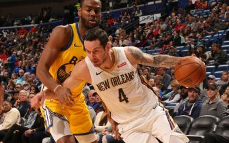NEW ORLEANS, LA - NOVEMBER 17: JJ Redick #4 of the New Orleans Pelicans handles the ball against the Golden State Warriors on November 17, 2019 at the Smoothie King Center in New Orleans, Louisiana. NOTE TO USER: User expressly acknowledges and agrees that, by downloading and or using this Photograph, user is consenting to the terms and conditions of the Getty Images License Agreement. Mandatory Copyright Notice: Copyright 2019 NBAE (Photo by Layne Murdoch Jr./NBAE via Getty Images)
