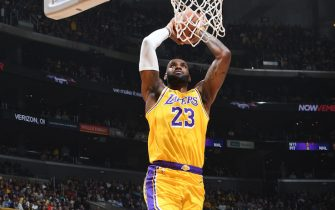 LOS ANGELES, CA - NOVEMBER 19: LeBron James #23 of the Los Angeles Lakers dunks the ball against the Oklahoma City Thunder on November 19, 2019 at STAPLES Center in Los Angeles, California. NOTE TO USER: User expressly acknowledges and agrees that, by downloading and/or using this Photograph, user is consenting to the terms and conditions of the Getty Images License Agreement. Mandatory Copyright Notice: Copyright 2019 NBAE (Photo by Andrew D. Bernstein/NBAE via Getty Images)