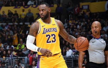 LOS ANGELES, CA - NOVEMBER 19: LeBron James #23 of the Los Angeles Lakers handles the ball against the Oklahoma City Thunder on November 19, 2019 at STAPLES Center in Los Angeles, California. NOTE TO USER: User expressly acknowledges and agrees that, by downloading and/or using this Photograph, user is consenting to the terms and conditions of the Getty Images License Agreement. Mandatory Copyright Notice: Copyright 2019 NBAE (Photo by Andrew D. Bernstein/NBAE via Getty Images)
