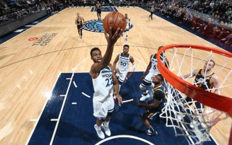 MINNEAPOLIS, MN -  NOVEMBER 20: Andrew Wiggins #22 of the Minnesota Timberwolves shoots the ball against the Utah Jazz on November 20, 2019 at Target Center in Minneapolis, Minnesota. NOTE TO USER: User expressly acknowledges and agrees that, by downloading and or using this Photograph, user is consenting to the terms and conditions of the Getty Images License Agreement. Mandatory Copyright Notice: Copyright 2019 NBAE (Photo by David Sherman/NBAE via Getty Images)