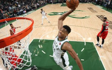 CHICAGO, IL - NOVEMBER 21: Giannis Antetokounmpo #34 of the Milwaukee Bucks shoots the ball against the Portland Trail Blazers on November 21, 2019 at the United Center in Chicago, Illinois. NOTE TO USER: User expressly acknowledges and agrees that, by downloading and or using this photograph, user is consenting to the terms and conditions of the Getty Images License Agreement.  Mandatory Copyright Notice: Copyright 2019 NBAE (Photo by Gary Dineen/NBAE via Getty Images)