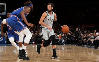 NEW YORK, NY - NOVEMBER 23: Marco Belinelli #18 of the San Antonio Spurs handles the ball against the New York Knicks on November 23, 2019 at Madison Square Garden in New York City, New York. NOTE TO USER: User expressly acknowledges and agrees that, by downloading and or using this photograph, User is consenting to the terms and conditions of the Getty Images License Agreement. Mandatory Copyright Notice: Copyright 2019 NBAE  (Photo by Nathaniel S. Butler/NBAE via Getty Images)