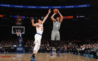 NEW YORK, NY - NOVEMBER 24: Spencer Dinwiddie #8 of the Brooklyn Nets shoots the ball against the New York Knicks on November 24, 2019 at Madison Square Garden in New York City, New York.  NOTE TO USER: User expressly acknowledges and agrees that, by downloading and or using this photograph, User is consenting to the terms and conditions of the Getty Images License Agreement. Mandatory Copyright Notice: Copyright 2019 NBAE  (Photo by Nathaniel S. Butler/NBAE via Getty Images)