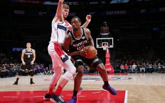 WASHINGTON, DC - NOVEMBER 24: Harrison Barnes #40 of the Sacramento Kings drives to the basket against the Washington Wizards on November 24, 2019 at Capital One Arena in Washington, DC. NOTE TO USER: User expressly acknowledges and agrees that, by downloading and or using this Photograph, user is consenting to the terms and conditions of the Getty Images License Agreement. Mandatory Copyright Notice: Copyright 2019 NBAE (Photo by Ned Dishman/NBAE via Getty Images)