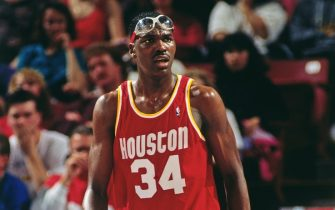 SACRAMENTO, CA:  A close up shot of Hakeem Olajuwon #34 of the Houston Rockets walking up court during a game against the Sacramento Kings circa 1992 at the ARCO Arena in Sacramento, California. NOTE TO USER: User expressly acknowledges and agrees that, by downloading and/or using this Photograph, user is consenting to the terms and conditions of the Getty Images License Agreement. Mandatory Copyright Notice: Copyright 1992 NBAE (Photo by Rocky Widner/NBAE via Getty Images)
