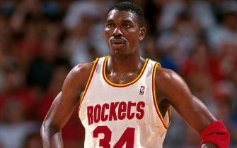 HOUSTON, TX - JUNE 10:  Hakeem Olajuwon #34 of the Houston Rockets stands on the court during Game Two of the NBA Finals against the New York Knicks on June 10, 1994 at The Summit in Houston, Texas. NOTE TO USER: User expressly acknowledges that, by downloading and or using this photograph, User is consenting to the terms and conditions of the Getty Images License agreement. Mandatory Copyright Notice: Copyright 1994 NBAE (Photo by Bill Baptist/NBAE via Getty Images)