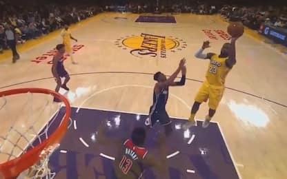 LeBron: al 17° anno NBA si scopre mancino. VIDEO