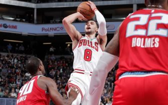 SACRAMENTO, CA - DECEMBER 2: Zach LaVine #8 of the Chicago Bulls shoots the ball against the Sacramento Kings on December 2, 2019 at Golden 1 Center in Sacramento, California. NOTE TO USER: User expressly acknowledges and agrees that, by downloading and or using this Photograph, user is consenting to the terms and conditions of the Getty Images License Agreement. Mandatory Copyright Notice: Copyright 2019 NBAE (Photo by Rocky Widner/NBAE via Getty Images)