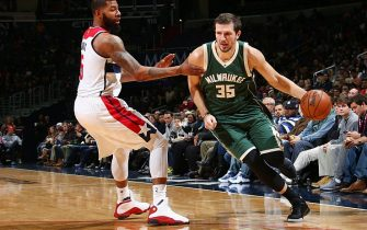 WASHINGTON, DC - DECEMBER 10:  Mirza Teletovic #35 of the Milwaukee Bucks drives to the basket against Markieff Morris #5 of the Washington Wizards during the game on December 10, 2016 at Verizon Center in Washington, DC. NOTE TO USER: User expressly acknowledges and agrees that, by downloading and or using this Photograph, user is consenting to the terms and conditions of the Getty Images License Agreement. Mandatory Copyright Notice: Copyright 2016 NBAE (Photo by Ned Dishman/NBAE via Getty Images)
