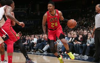 WASHINGTON, DC -FEBRUARY 4: Kent Bazemore #24 of the Atlanta Hawks handles the ball against the Washington Wizards on February 4, 2019 at Capital One Arena in Washington, DC. NOTE TO USER: User expressly acknowledges and agrees that, by downloading and/or using this photograph, user is consenting to the terms and conditions of the Getty Images License Agreement. Mandatory Copyright Notice: Copyright 2019 NBAE (Photo by Ned Dishman/NBAE via Getty Images)