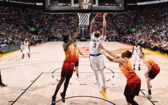 SALT LAKE CITY, UT - DECEMBER 4: Anthony Davis #3 of the Los Angeles Lakers dunks the ball against the Utah Jazz on December 4, 2019 at vivint.SmartHome Arena in Salt Lake City, Utah. NOTE TO USER: User expressly acknowledges and agrees that, by downloading and or using this Photograph, User is consenting to the terms and conditions of the Getty Images License Agreement. Mandatory Copyright Notice: Copyright 2019 NBAE (Photo by Garrett Ellwood/NBAE via Getty Images)