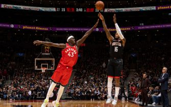 TORONTO, CANADA - DECEMBER 5:  Ben McLemore #16 of the Houston Rockets shoots the ball against the Toronto Raptors on December 5, 2019 at the Scotiabank Arena in Toronto, Ontario, Canada.  NOTE TO USER: User expressly acknowledges and agrees that, by downloading and or using this Photograph, user is consenting to the terms and conditions of the Getty Images License Agreement.  Mandatory Copyright Notice: Copyright 2019 NBAE (Photo by Mark Blinch/NBAE via Getty Images)